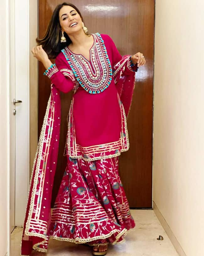 Hina looked gorgeous in the exquisite sharara set