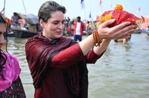 Priyanka Gandhi Takes Holy Dip in Ganga on Mauni Amavasya | See Photos