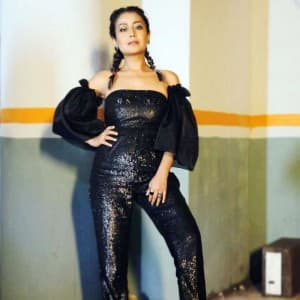 Neha Kakkar Looks Like a Vision in Her Sparkling Black Jumpsuit And Quirky Makeup