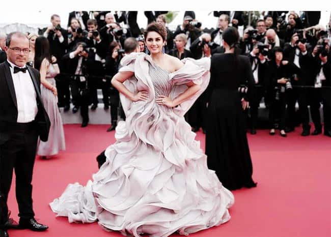 Huma Qureshi   s outfit is all about multiple twirls