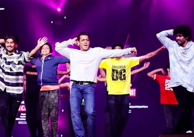 IIFA 2019  Salman Khan Set The Stage on Fire With His Performance