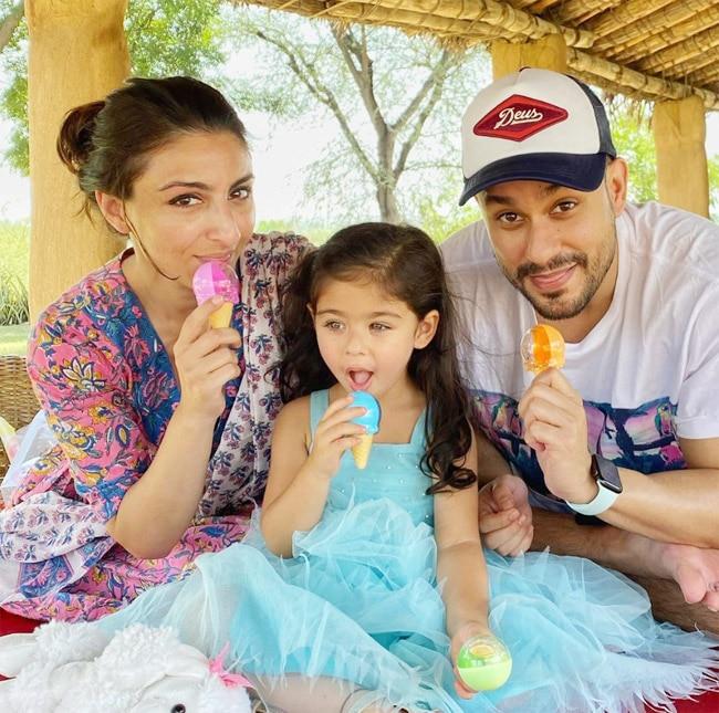 Inaaya Naumi Khemu turns 3