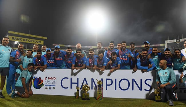 Indian cricket team posing with Nidahas trophy