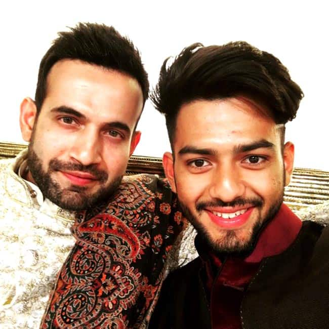 Irfan Pathan and Unmkut Chand pose for selfie