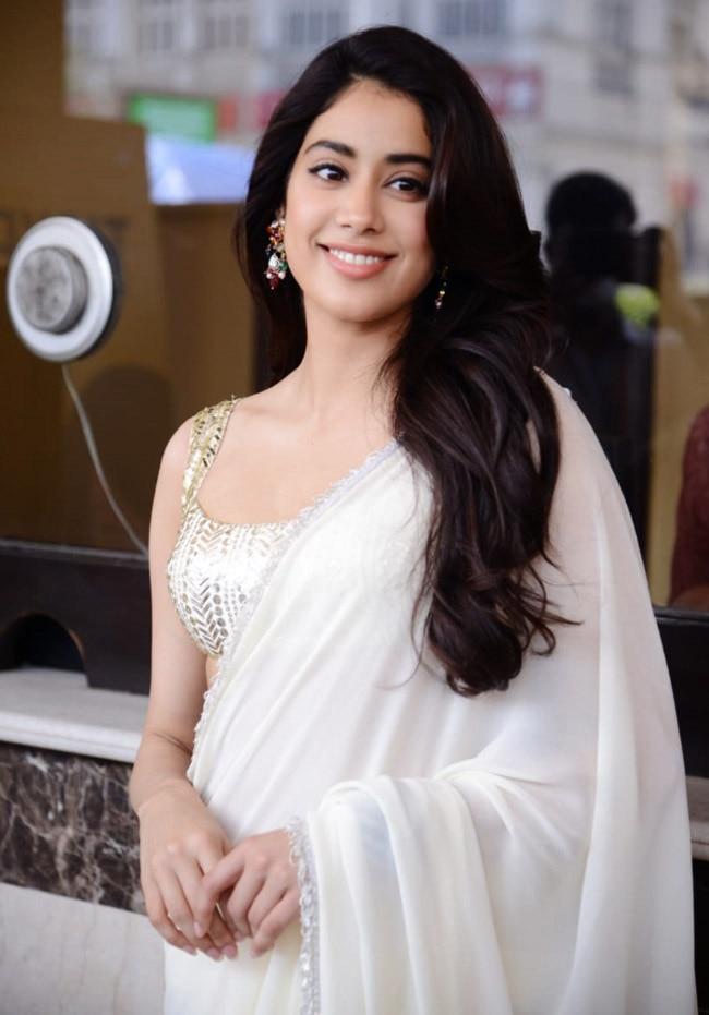 Janhvi Kapoor rocks a Manish Malhotra saree during Roohi Promotion