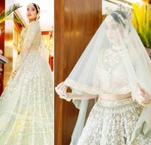 Janhvi Kapoor Poses as a Bride For Manish Malhotra, Looks Gorgeous in Her Green Lehenga