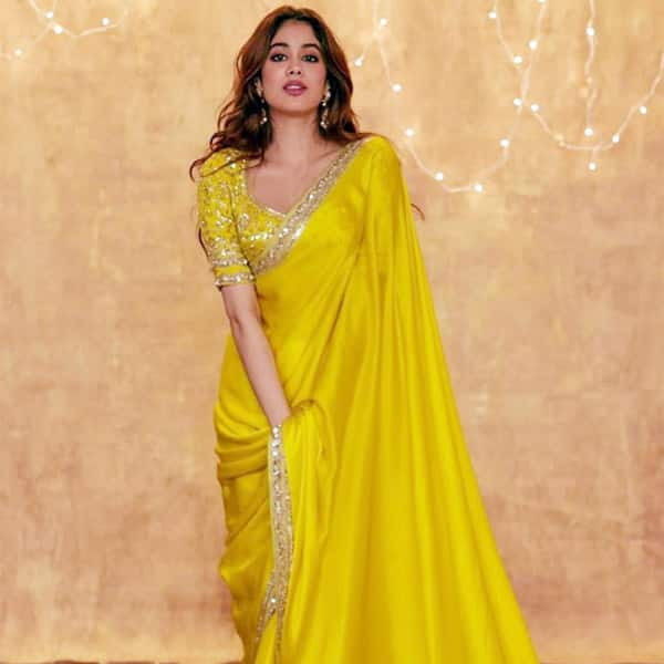 Janvhi Kapoor looks sizzling in a Manish Malhotra saree on Diwali