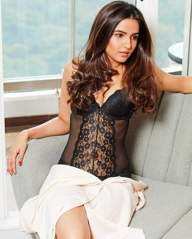 Jasmin Bhasin is all set to entertain audiences with her real self
