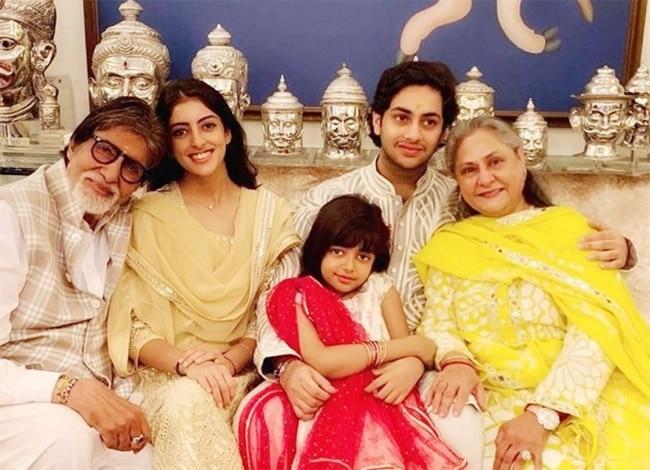 Jaya Bachchan s popular films