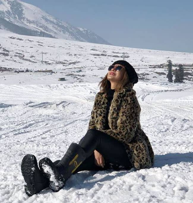 Jennifer Winget Shares Pictures From Her Vacation  Thanks Family And Friends For Their Love