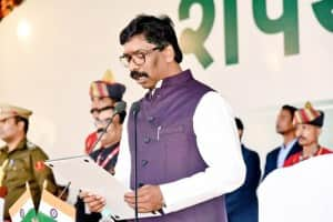 Hemant Soren Takes Oath as 11th Chief Minister of Jharkhand; Rahul Gandhi, Mamata Banerjee Grace Event | Check Photos