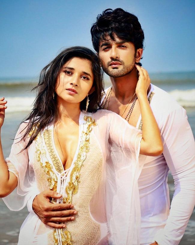 Kanika Mann and Nishant Malkani sultry photos