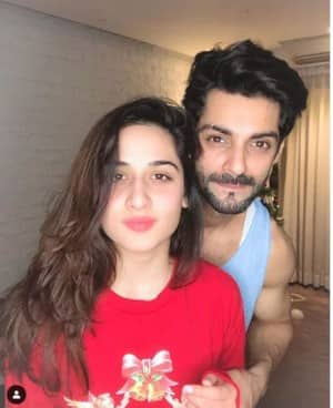 Lovebirds Karan Wahi And Uditi Singh's Mushy Pictures Give Out Major Romantic Vibes to The Audience