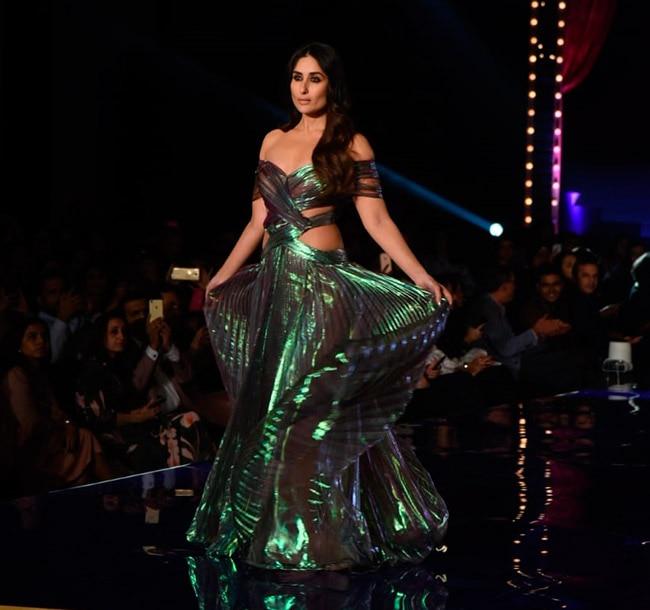 Kareena Kapoor Khan on the Ramp at Lakme Fashion Week 2018