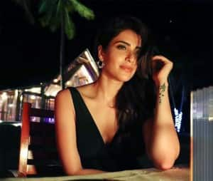Karishma Tanna Celebrates Her Birthday at The Beach, Diva's Sizzling Pictures From Maldives Can Make You Jealous