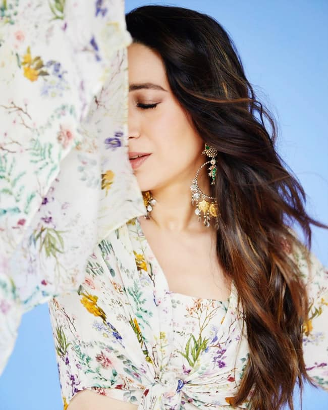 Karisma Kapoor is A Sight to Behold in a Beautiful Floral Ensemble