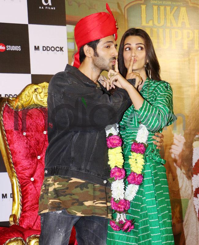 Kartik Aaryan  Kriti Sanon Strike a Pose in Luka Chuppi Way