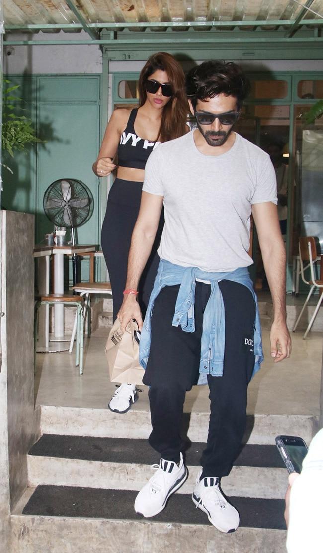 Kartik Aaryan Spotted With Rumoured Girlfriend Dimple Sharma