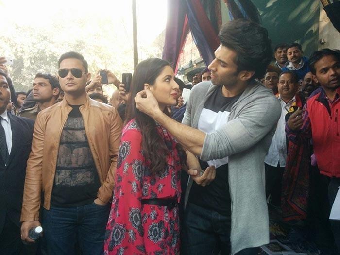 Katrina Kaif and Aditya Roy Kapur spotted shopping in Janpath