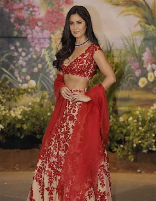 Katrina Kaif in Manish Malhotra at Sonam Kapoor   s reception