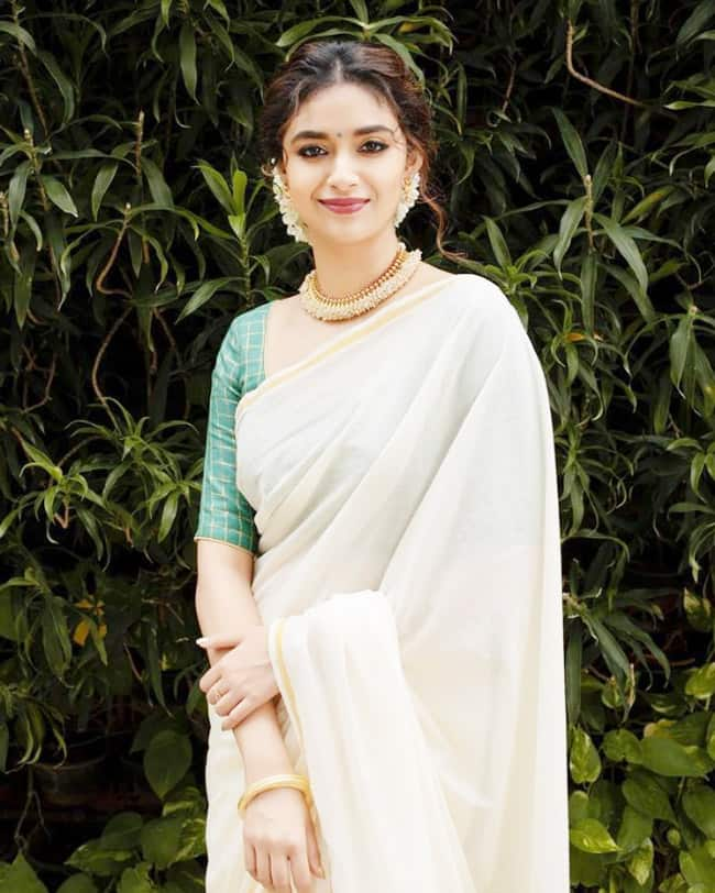 Keerthy Suresh Looks Classy in a Saree