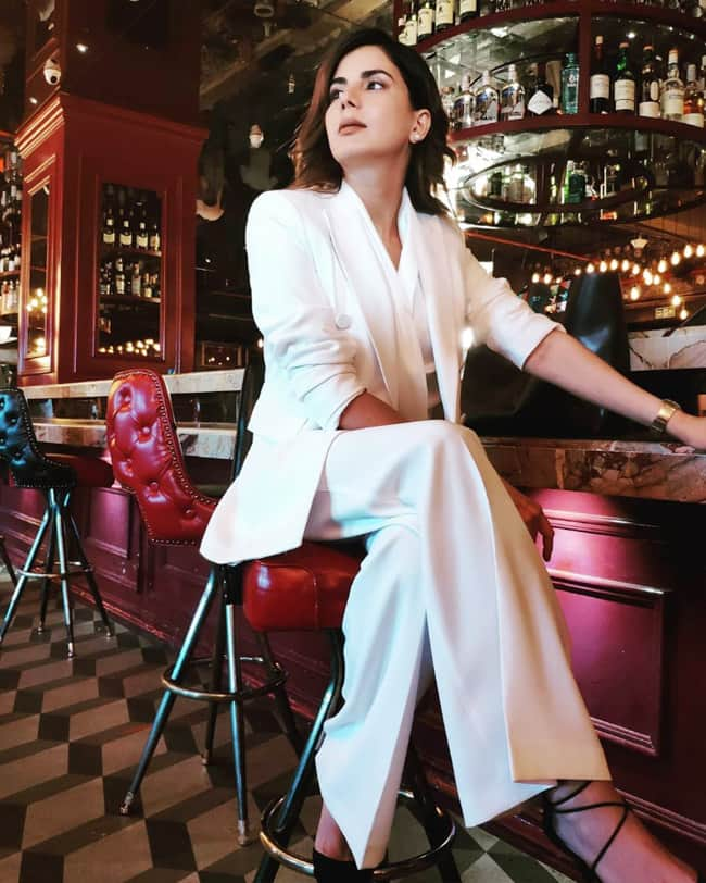 Kirti Kulhari is Making Heads Turn With Her Sartorial Choices