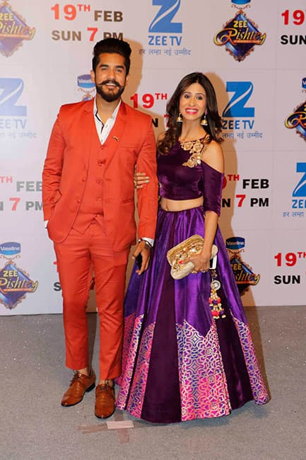 Kishwer Merchantt with husband Suyyash Rai at red carpet of Zee Rishtey awards 2017