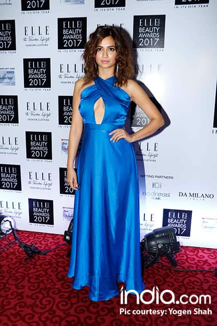 Kriti Kharbanda in Deme by Gabriella during red carpet of Elle Beauty Awards 2017