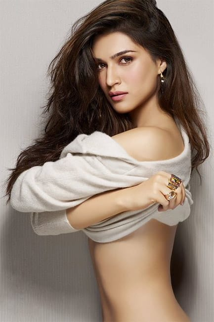 Kriti Sanon flaunts her sexy and toned body in this picture