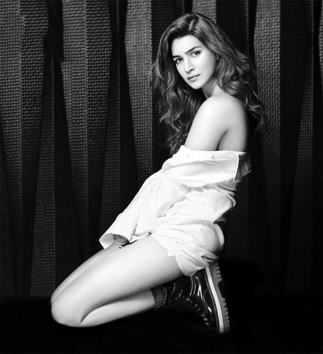 Kriti Sanon Posing Topless For Dabboo Ratnani 2020 Calendar Shoot