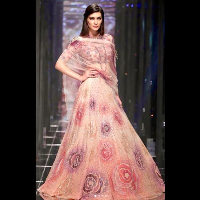Kriti Sanon walks ramp for Tarun Tahiliani at Lakme Fashion Week 2018