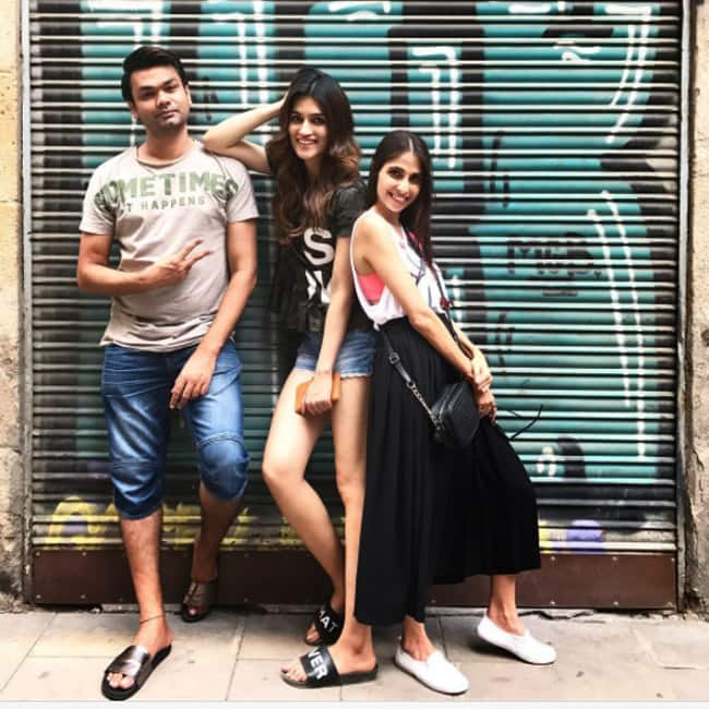 Kriti Sanon with friends during Spain vacation