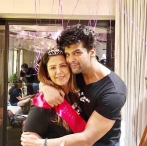 Actor Kushal Tandon Celebrates His Mother's 62nd Birthday Amidst Lockdown, Shares Some Adorable Family Pictures