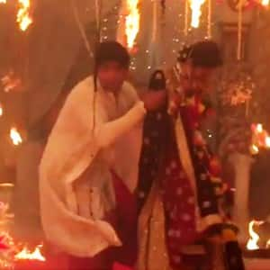 Terrifying: Kushal Tandon saves Beyhadh co-starf Jennifer Winget from REAL fire on sets!