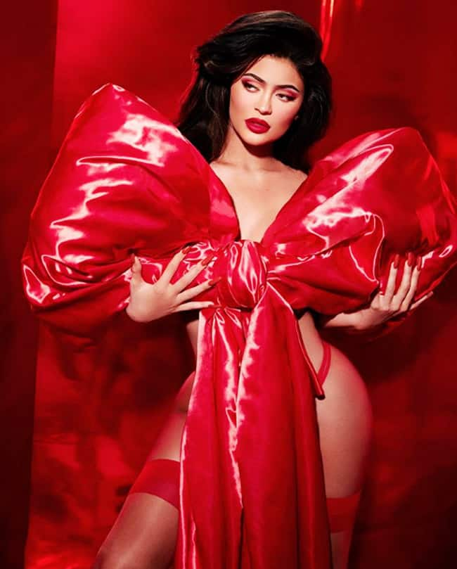 Kylie Jenner is Making Fans go Weak in Knees