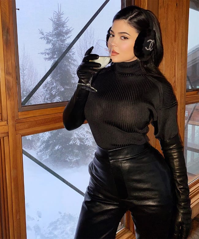 Kylie Jenner Looks Hot And Sexy in Black Outfit With Wine Glass in Her Hand