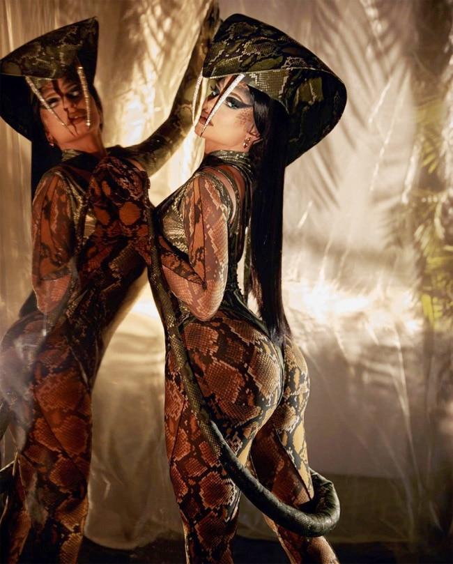 Kylie Jenner Turns Into King Cobra