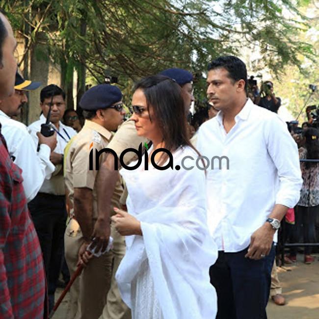 Lara Dutta with husband Mahesh Bhupati to attend Sridevi   s last rites
