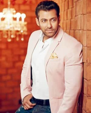 Salman Khan Breaks His Vow, Set To Produce And Star in Horror Film Aadamkhor