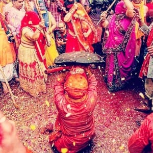 Happy Holi 2020: Take an Eye-Pleasing Sneak Peak Into Magneficiant Celebrations of The Festival of Colours in Vrindavan, Mathura, Nandgaon, And Barsana