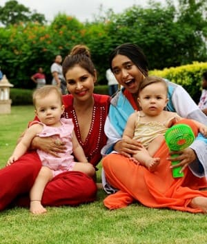 Lisa Ray's Latest Pictures From The Sets of Four More Shots Please Show Her Mama Side