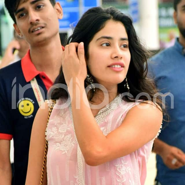 Lovely Janhvi Kapoor