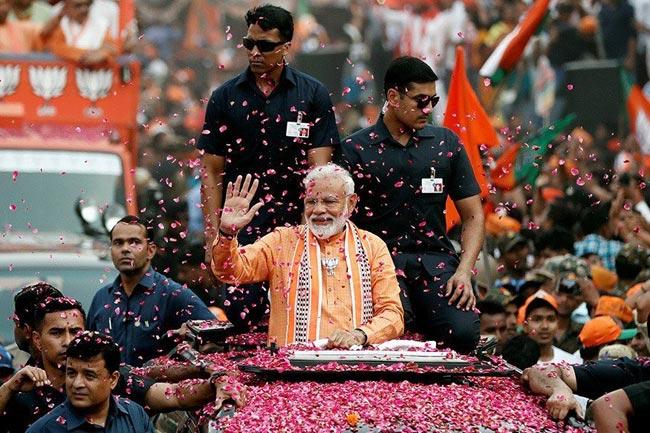 LS Polls 2019  Prime Minster Conducts Roadshow at Varanasi