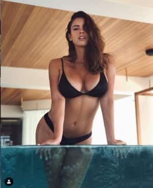 Lucia Javorcekova Shows Off Her Incredible Curves in Latest Homeworkout Pictures During Coronavirus Lockdown