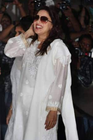 PICS: Madhuri Dixit, Arbaaz Khan and these Bollywood celebs could not hold back their laughter during Vinod Khanna's prayer meet!