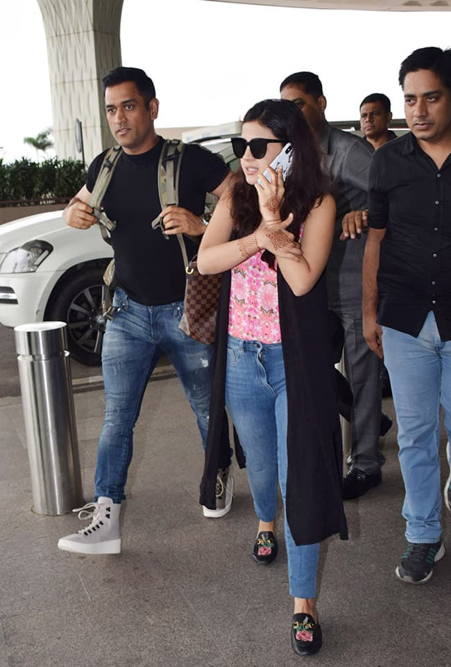 Mahendra Singh Dhoni and Sakshi Dhoni were in England as the cricket team were there to play