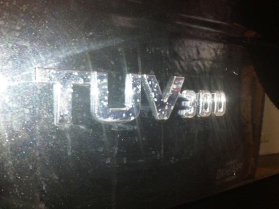 Mahindra TUV300 Exterior Images img3