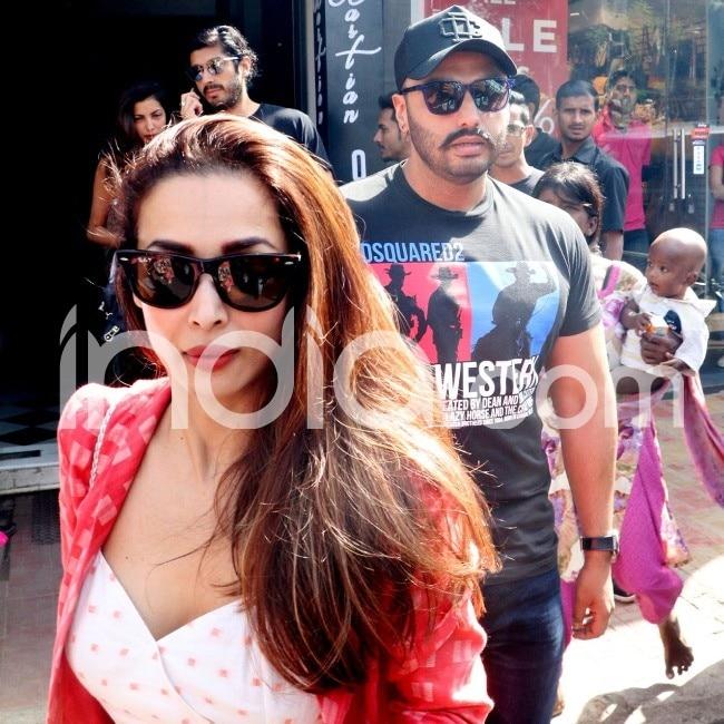 Malaika Arora clicked with boyfriend Arjun Kapoor