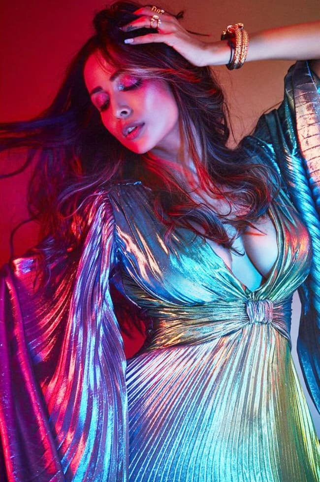 Malaika Arora looks all hot and sultry in her butterfly dress for Super Model of The Year Season 2