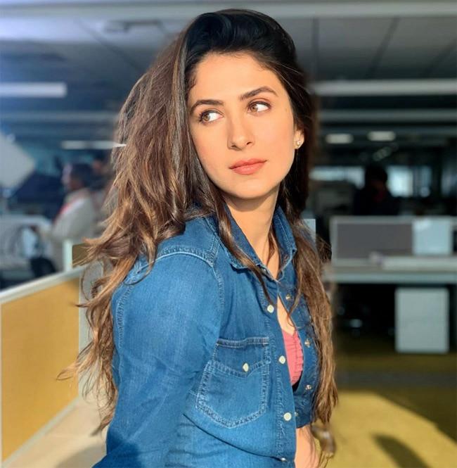 Malvika Raaj sultry avatar